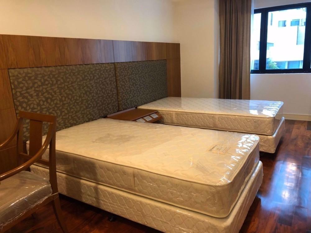 Shanti Sadan - В аренду: Кондо с 3 спальнями возле станции BTS Thong Lo, Bangkok, Таиланд | Ref. TH-QEGJOGGK