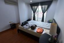 For Rent 3 Beds Condo in Yan Nawa, Bangkok, Thailand