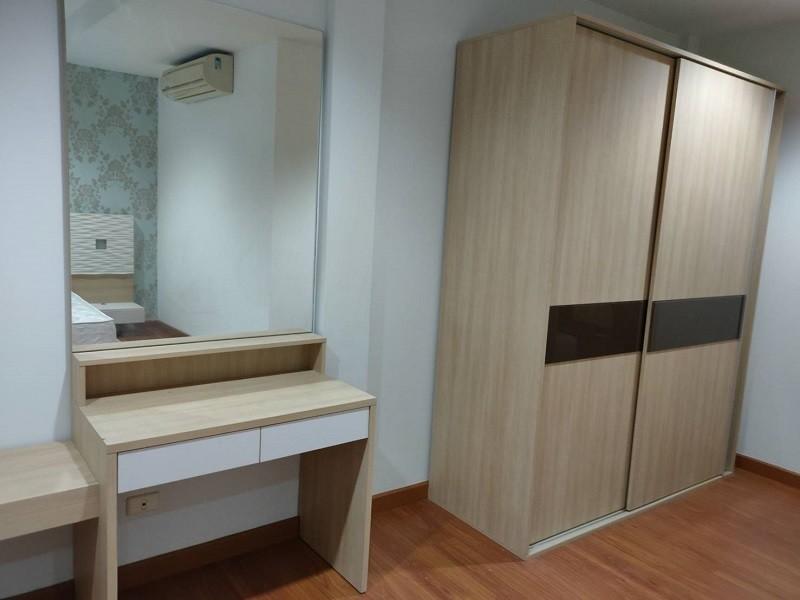 ขาย ทาวน์เฮ้าส์ 3 ห้องนอน จอมทอง กรุงเทพฯ   Ref. TH-SLWFBESK