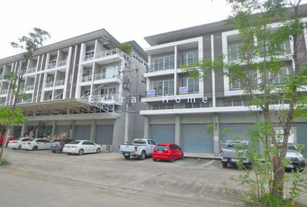 For Sale or Rent Shophouse 44 sqwa in Khlong Luang, Pathum Thani, Thailand