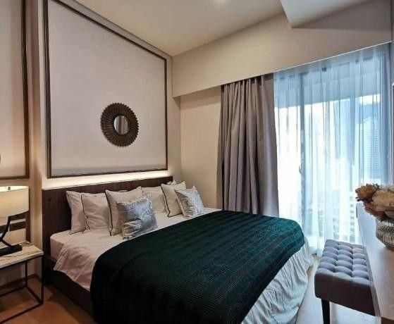 Siamese Exclusive Sukhumvit 31 - Продажа или аренда: Кондо с 2 спальнями в районе Watthana, Bangkok, Таиланд | Ref. TH-ZSFZJYED