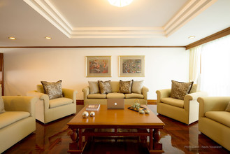 Located in the same building - Sethiwan Mansion Sukhumvit 49