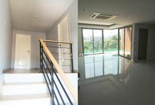 For Sale 4 Beds Townhouse in Yan Nawa, Bangkok, Thailand