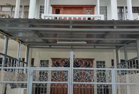 For Rent 4 Beds Townhouse in Bang Phlat, Bangkok, Thailand