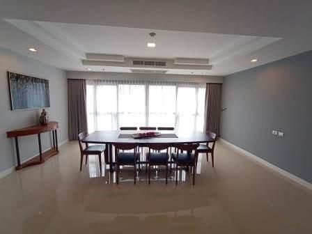 Shanti Sadan - В аренду: Кондо с 3 спальнями возле станции BTS Thong Lo, Bangkok, Таиланд | Ref. TH-AYSGXTXC