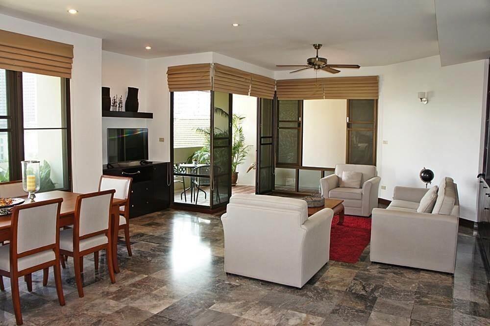 Raintree Village Apartment - For Rent 3 Beds コンド Near BTS Phrom Phong, Bangkok, Thailand | Ref. TH-UFEVPNWX
