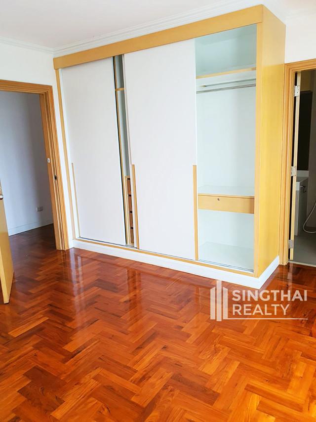SanguanSap Mansion - For Rent 3 Beds Condo Near BTS Surasak, Bangkok, Thailand | Ref. TH-BXQBWFTA