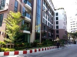 В том же здании - Le Cote Thonglor 8