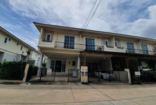 For Sale 4 Beds Townhouse in Si Racha, Chonburi, Thailand