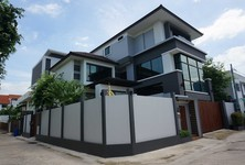 Продажа: Дом с 5 спальнями в районе Din Daeng, Bangkok, Таиланд