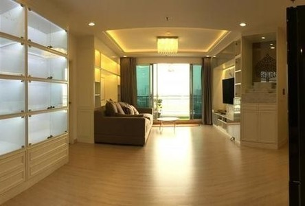 For Sale or Rent 3 Beds Condo in Huai Khwang, Bangkok, Thailand