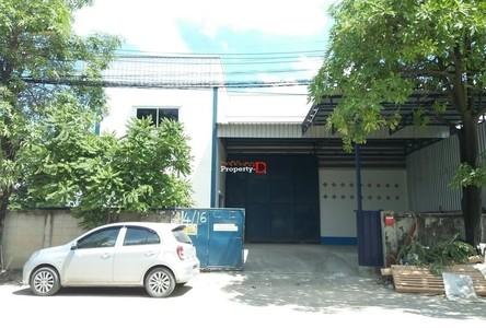 For Rent Retail Space 500 sqm in Krathum Baen, Samut Sakhon, Thailand