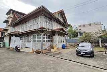 Продажа: Дом с 7 спальнями в районе Sathon, Bangkok, Таиланд