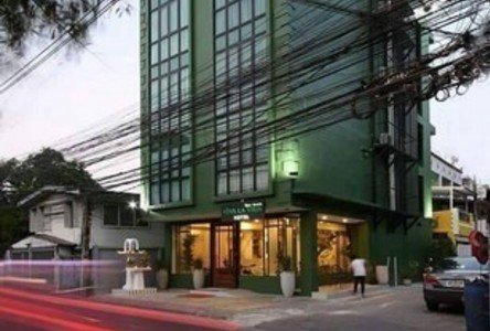 For Sale Hotel 12 rooms in Huai Khwang, Bangkok, Thailand
