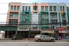 For Sale or Rent 4 Beds Shophouse in Bang Lamung, Chonburi, Thailand