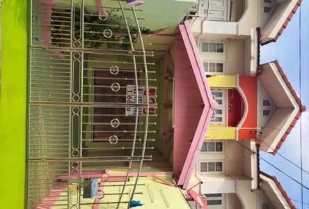 For Sale 2 Beds Townhouse in Nakhon Chai Si, Nakhon Pathom, Thailand
