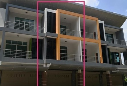 For Sale 4 Beds Shophouse in Na Thawi, Songkhla, Thailand