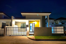 For Sale 3 Beds House in Hat Yai, Songkhla, Thailand