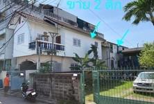 For Sale 8 Beds House in Mueang Samut Prakan, Samut Prakan, Thailand