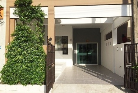 For Sale 2 Beds Townhouse in Mueang Trang, Trang, Thailand