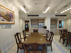 Located in the same building - Aguston Sukhumvit 22