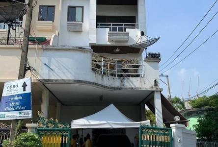 В аренду: Таунхаус в районе Khlong Toei, Bangkok, Таиланд