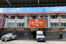 Продажа: Шопхаус с 4 спальнями в районе Mueang Nonthaburi, Nonthaburi, Таиланд