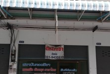 For Rent 3 Beds Shophouse in Mueang Ratchaburi, Ratchaburi, Thailand