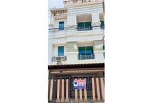 For Sale 3 Beds Townhouse in Mueang Nakhon Si Thammarat, Nakhon Si Thammarat, Thailand