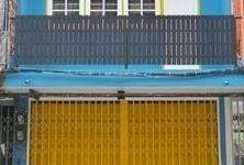 В аренду: Шопхаус с 3 спальнями в районе Bang Na, Bangkok, Таиланд