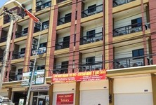 For Rent 8 Beds Townhouse in Bang Lamung, Chonburi, Thailand