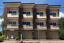 For Sale or Rent 3 Beds Shophouse in Mueang Sukhothai, Sukhothai, Thailand