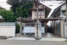Продажа: Дом с 4 спальнями в районе Pak Kret, Nonthaburi, Таиланд
