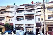 For Rent 4 Beds Townhouse in Bang Na, Bangkok, Thailand