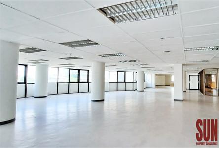 For Rent Office 412 sqm in Watthana, Bangkok, Thailand