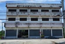 For Sale Shophouse 1,600 sqm in Bang Bua Thong, Nonthaburi, Thailand