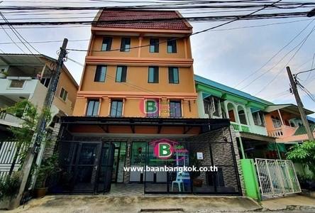 For Sale Retail Space 584 sqm in Nong Khaem, Bangkok, Thailand