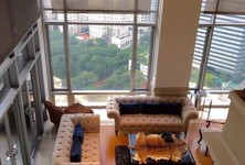 For Sale 4 Beds Condo in Pathum Wan, Bangkok, Thailand