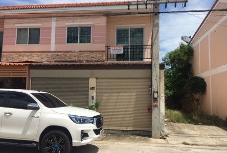 For Sale 3 Beds Townhouse in Ban Phaeo, Samut Sakhon, Thailand