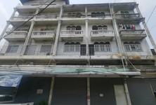 For Rent Retail Space 34 sqm in Phra Khanong, Bangkok, Thailand