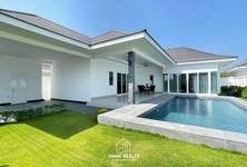 For Sale 3 Beds House in Hua Hin, Prachuap Khiri Khan, Thailand