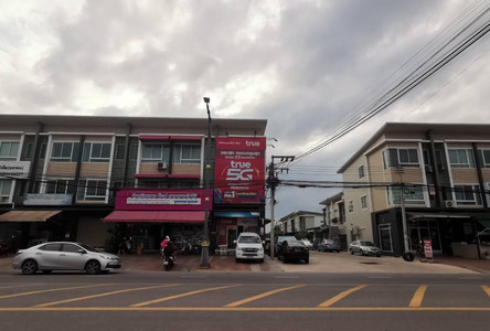 For Sale 3 Beds Shophouse in Mueang Surat Thani, Surat Thani, Thailand