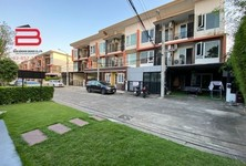 For Sale or Rent 6 Beds Townhouse in Bueng Kum, Bangkok, Thailand