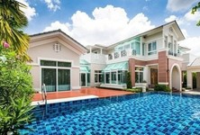 Продажа: Дом с 5 спальнями в районе Pak Kret, Nonthaburi, Таиланд