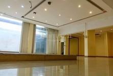 В аренду: Готовый бизнес 435 кв.м. в районе Khlong Toei, Bangkok, Таиланд