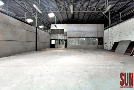 For Rent Warehouse 824 sqm in Watthana, Bangkok, Thailand