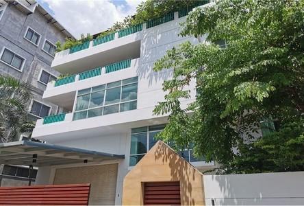 For Rent 6 Beds House in Bangkok Yai, Bangkok, Thailand