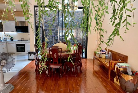 For Sale 4 Beds Townhouse in Pathum Wan, Bangkok, Thailand