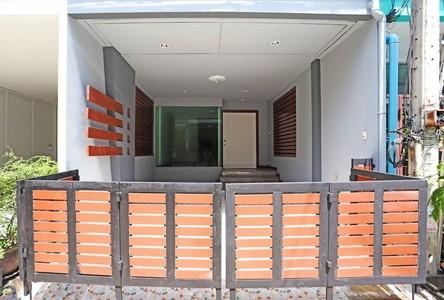For Sale 5 Beds Townhouse in Wang Thonglang, Bangkok, Thailand