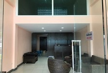 For Rent 8 Beds Shophouse in Pak Kret, Nonthaburi, Thailand
